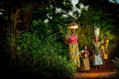 Antonio_Aragon_Renuncio_Harvest-Family.